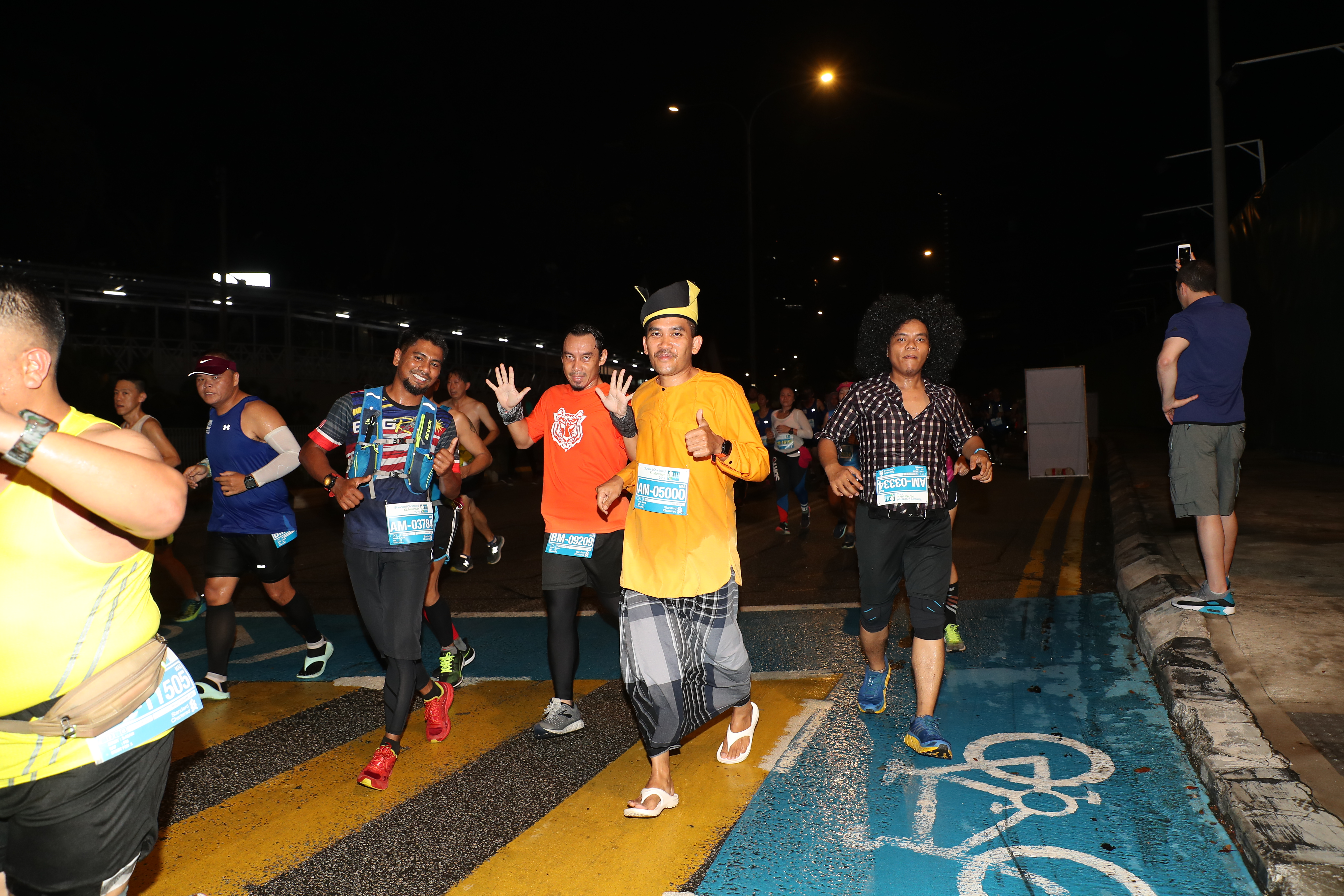 Costumed Runners 2 (1)